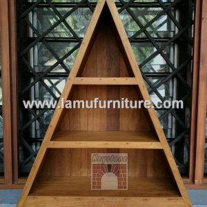 Shelf 19